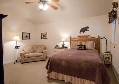 "Bedroom Suite - Room ""Bear Paw"""